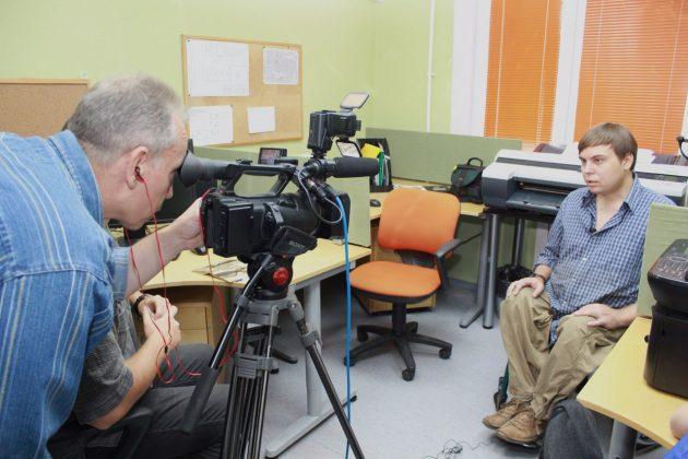 Александр Попов даёт интервью