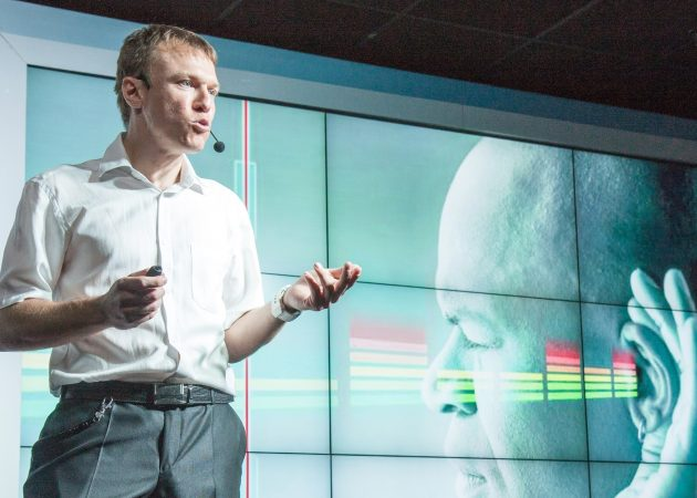 Рабочие места: Игорь Трапезников, нейрофизиолог, лидер проекта «vOICe — звуковое зрение»