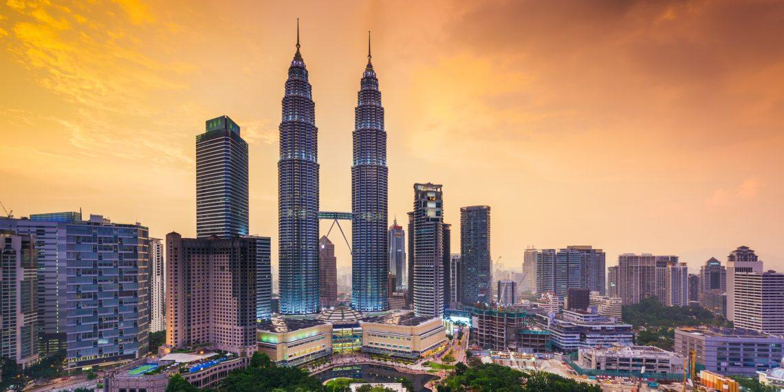Малайзия: 452-метровые башни-близнецы и миниатюрный мишка