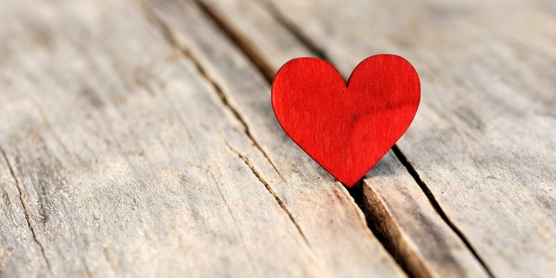 Праздничный лайфхак: 14 идей, где спрятать валентинку