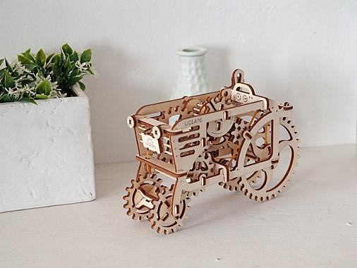 Подарки на 23 Февраля: 3D-трактор