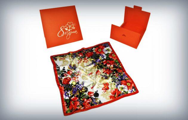 Подарки к 8 Марта: платок в конверте