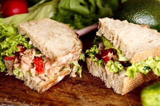 Рецепт сэндвича с тунцом и зеленью
