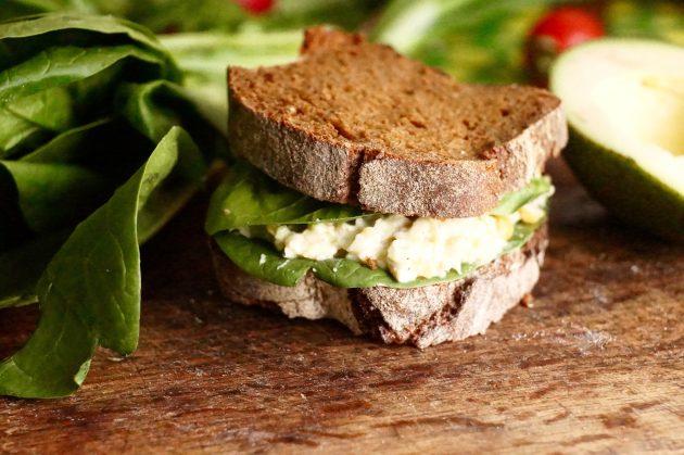 Рецепт сэндвича с бобовыми и курицей