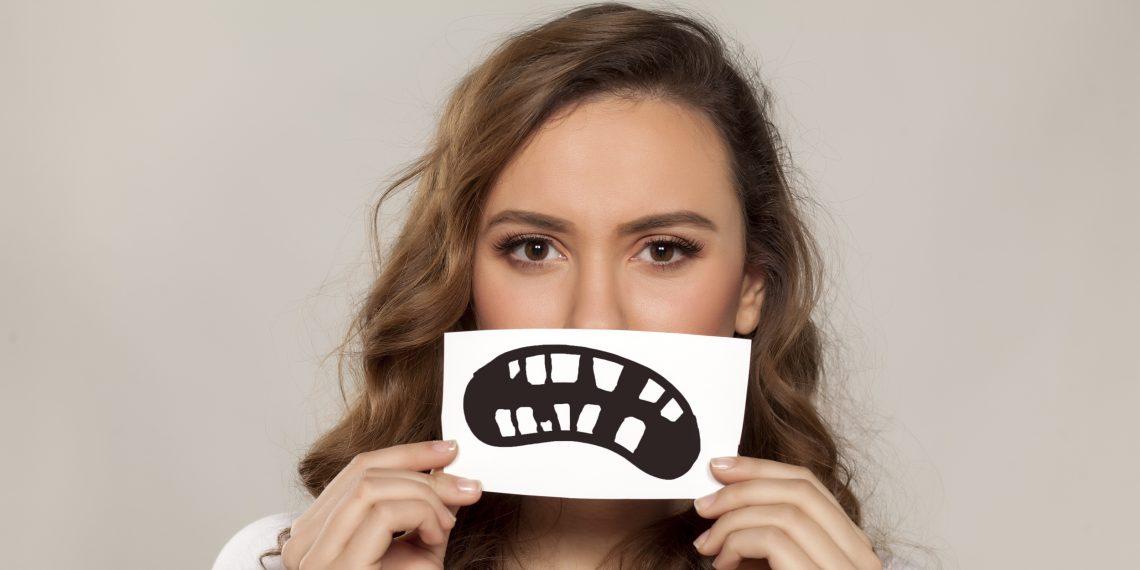 Выравнивание зубов: как не потратить время и деньги зря