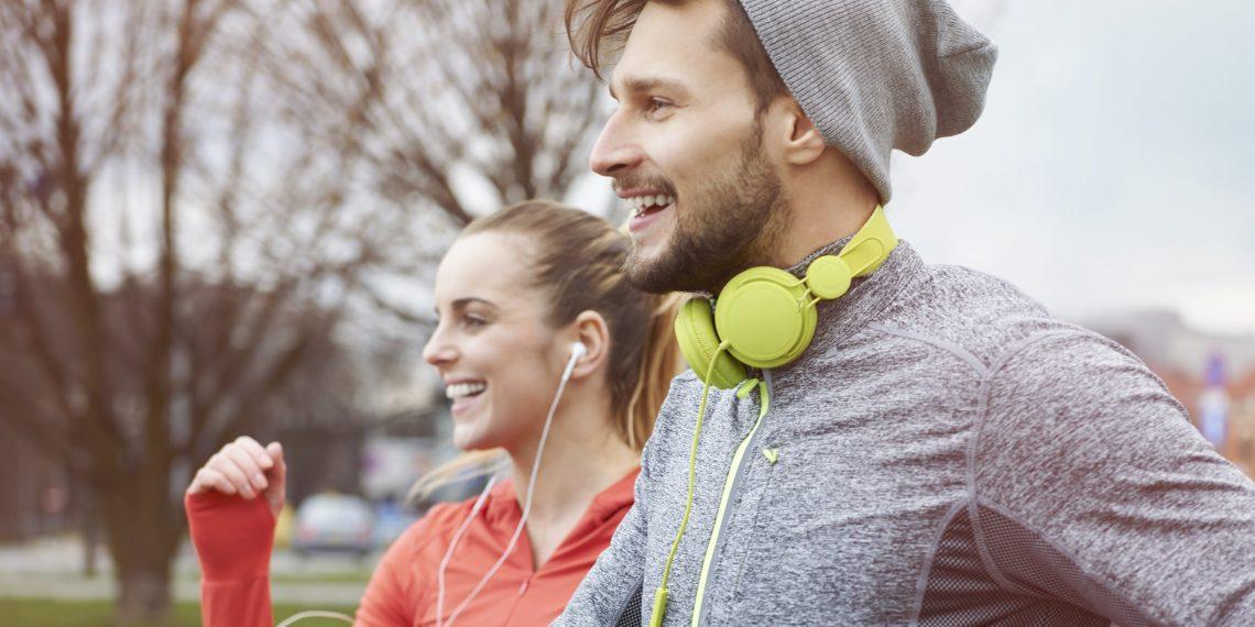 Как выбрать идеальную музыку для пробежки