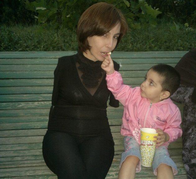 Сакинат Магомедова с дочкой