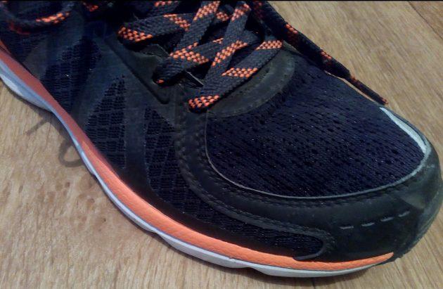 Smart Shoes: сетчатый материал на носке
