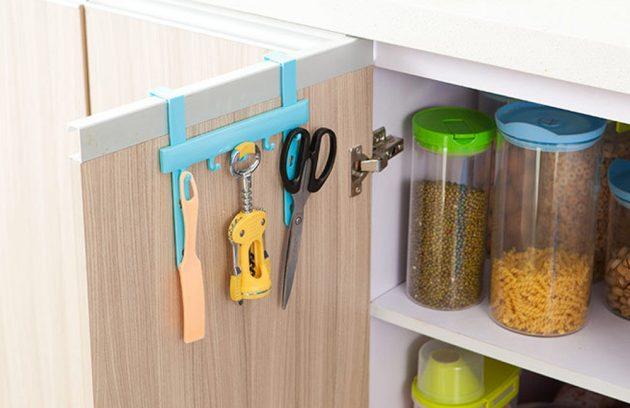 Крючки для кухонного шкафа