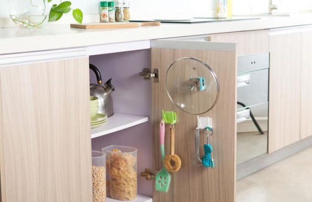 Универсальный держатель для кухонной утвари
