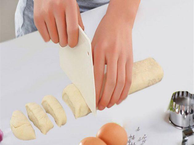 Нож-скребок для теста