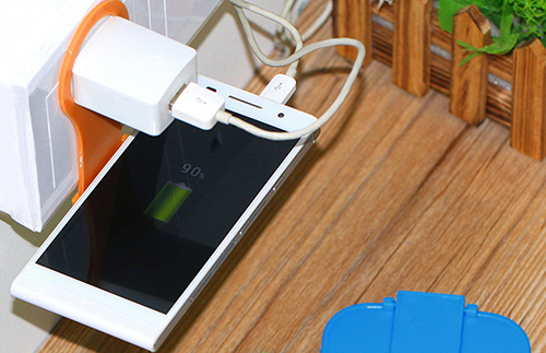 Подставка для зарядки смартфонов
