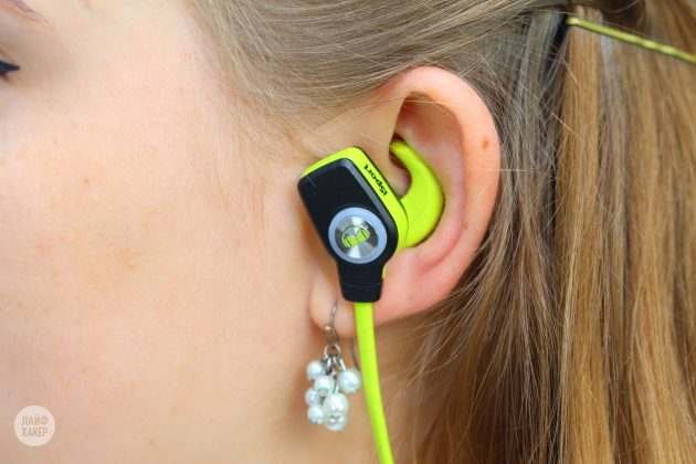 Monster iSport Super Slim в ухе