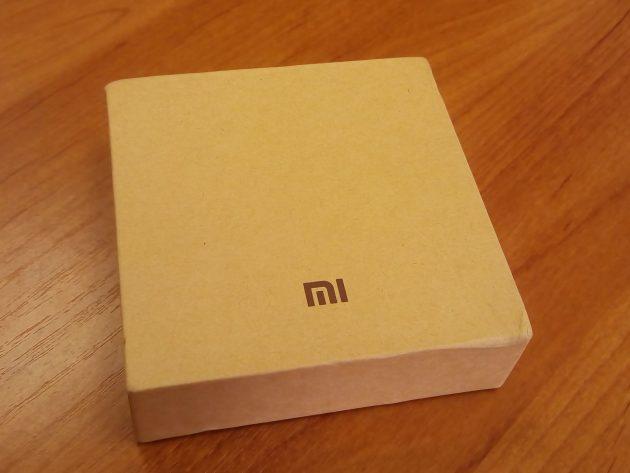 Xiaomi Mi Band 2: упаковка