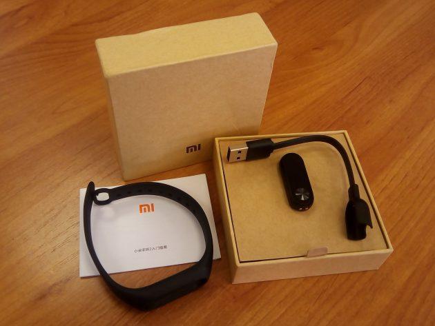 Xiaomi Mi Band 2: комплект поставки