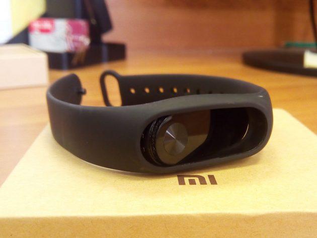 Xiaomi Mi Band 2: внешний вид