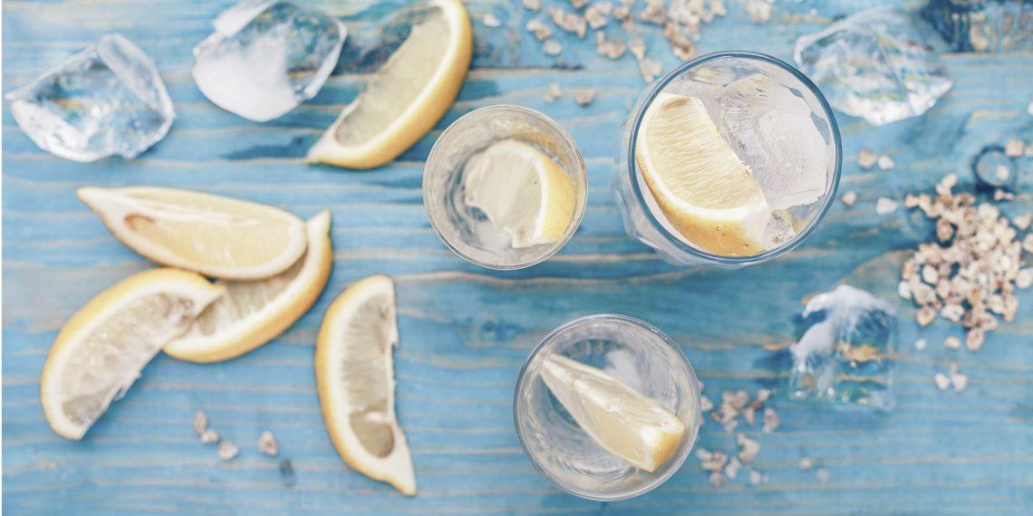 Почему утром нужно выпивать стакан тёплой воды с лимоном