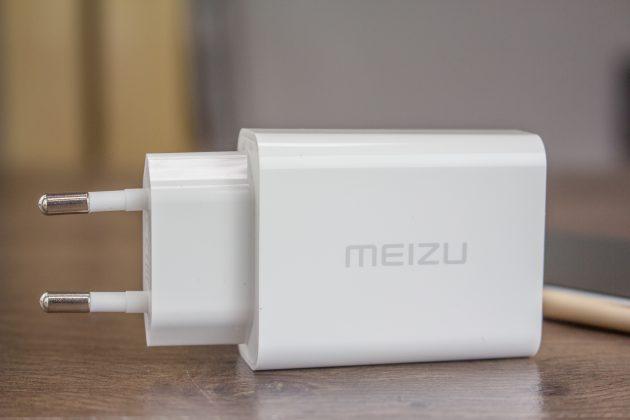 Meizu Pro 6: зарядник