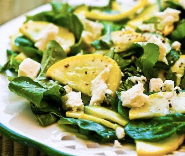 летние салаты: салат с маринованными цукини, рукколой и фетойрецепты летних салатов
