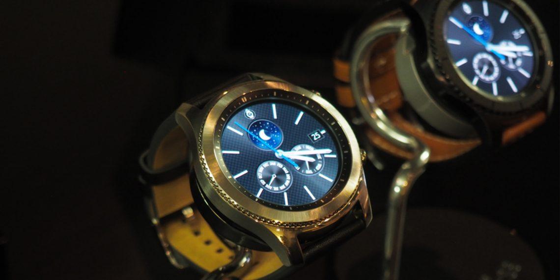 Samsung представила новые умные часы Gear S3