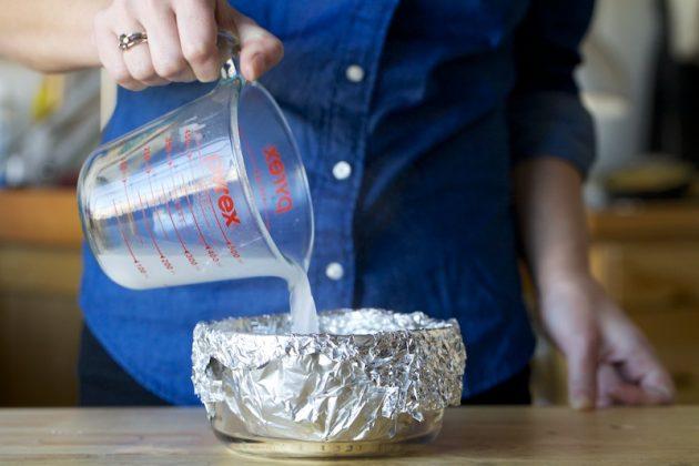 Как почистить серебро с помощью фольги