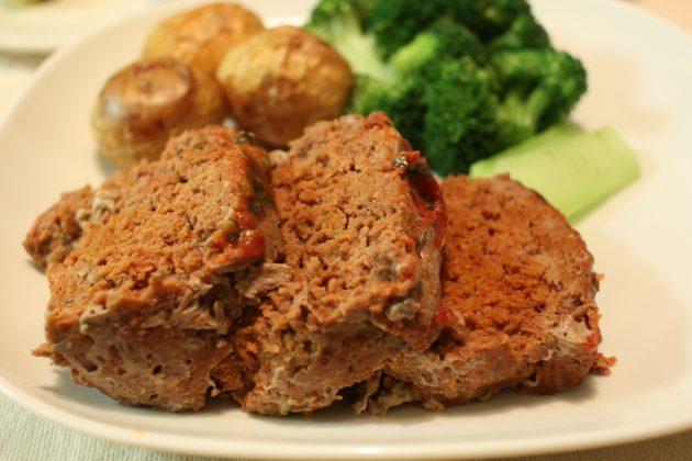 офисные обеды: классическая мясная буханка