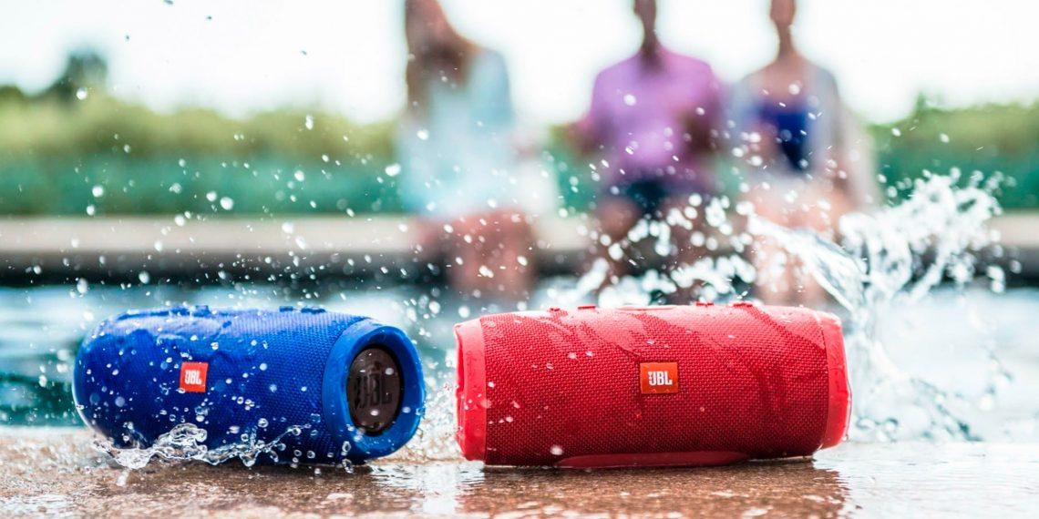 JBL Charge 3 — Bluetooth-колонка, которая не боится воды