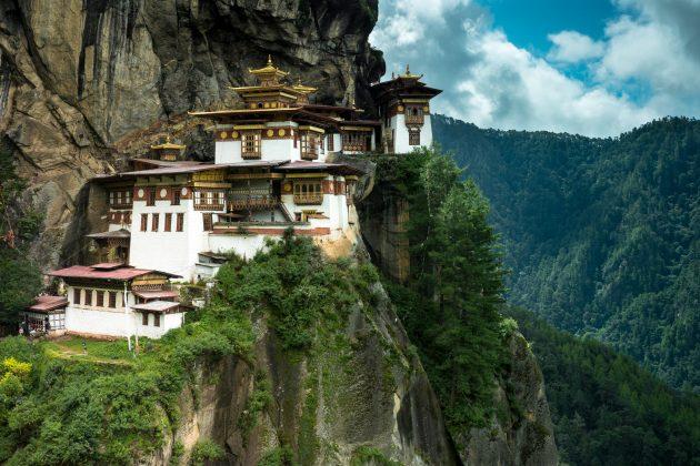 Куда поехать отдыхать: монастырь Такцанг-лакханг в Бутане