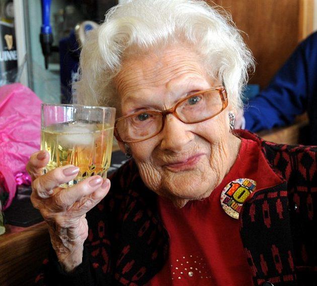 Как жить долго и счастливо: 100 советов от столетних. Dorothy-Howe_1476529224-e1476529305175-630x568