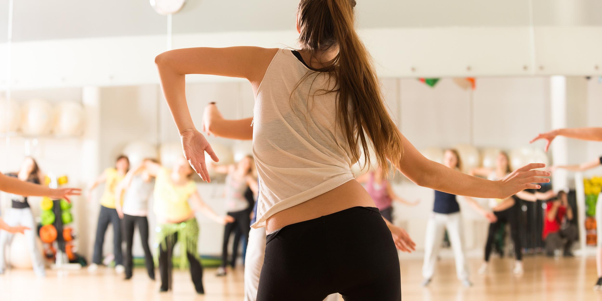 Танцы нагрузка на суставы болит локоть немеет кисть