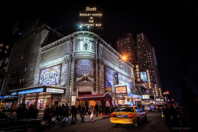 Бродвейский мюзикл