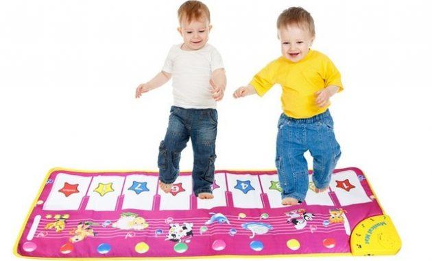 Что подарить ребёнку на Новый год: Музыкальный ковёр