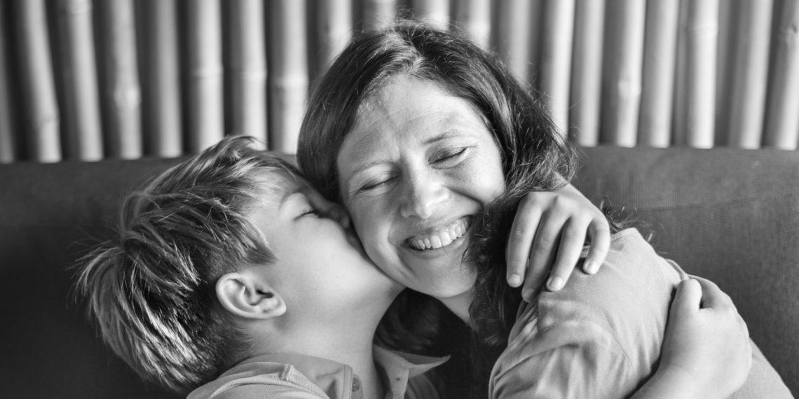 День матери: 8 трогательных видео о самом главном человеке в жизни