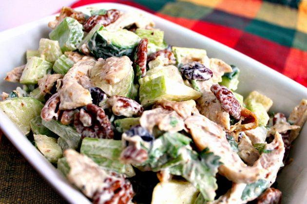 Быстрый салат на скорую руку с курицей