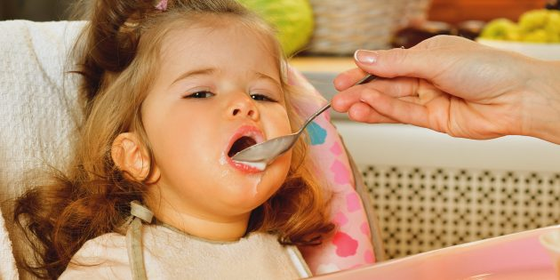 Как правильно отбиваться от пыток едой в гостях у родственников