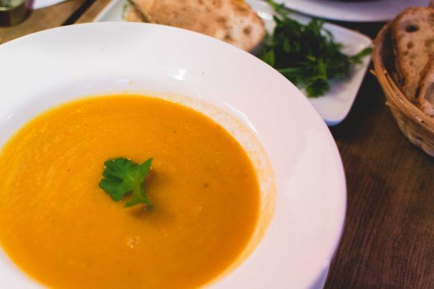 7 имбирных рецептов: Имбирно-морковный крем-суп