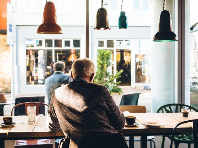 польза и вред кофе: болезнь Альцгеймера