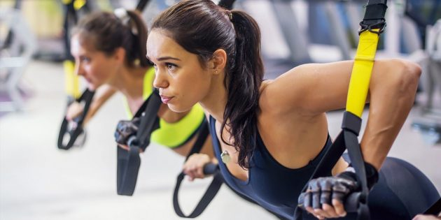 Тренировки на петельных тренажёрах: сильные мышцы кора и здоровая спина