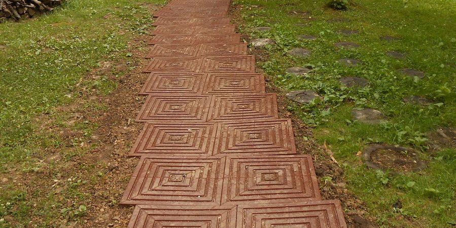 plastic-garden-path_1528468607-e1528468699783.jpg